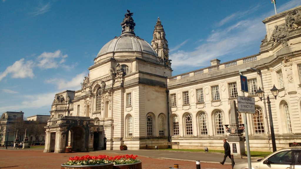 cardiff on foot city hall